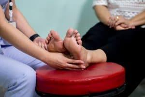 מטפלים ברגליים
